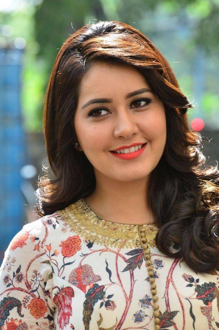 Rashi Khanna Stills From Bengal Tiger Movie