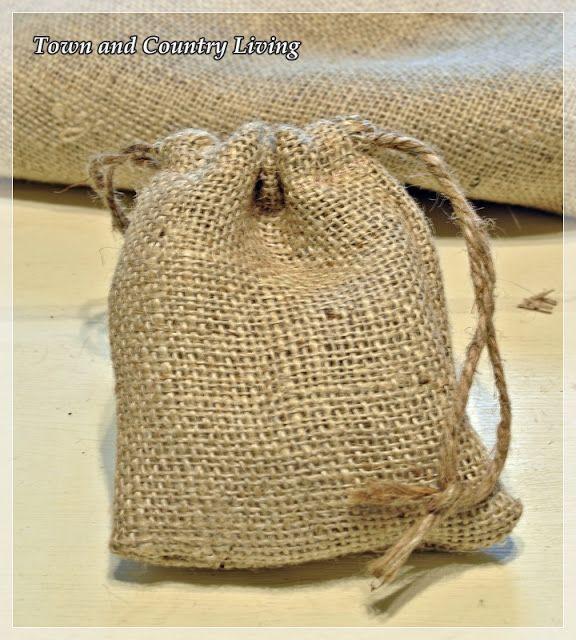 Best 25 burlap bags ideas on pinterest burlap tote diy for Burlap bag craft ideas
