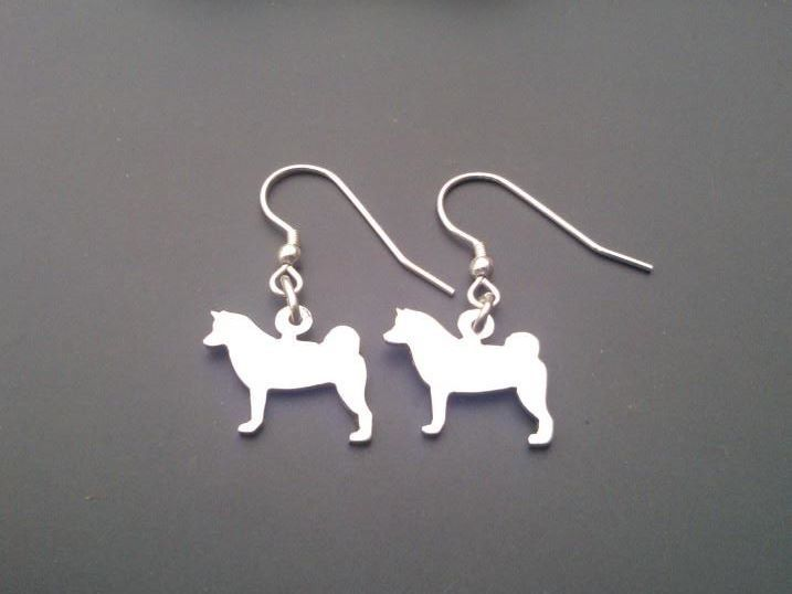sterling silver akita dog fullbody drop earrings 18mm x 14mm, £17.99