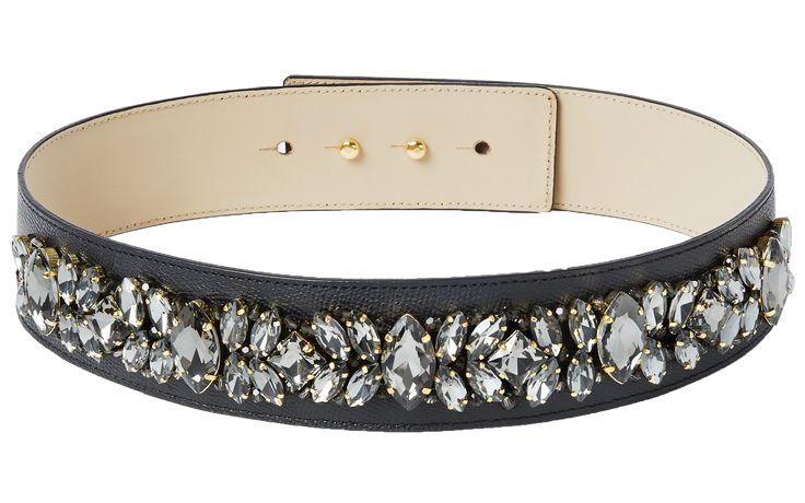 Crystal belt back! Sparkle like a movie star in these beads and crystals which make any outfit an extremely glamorous one! Each stone is applied by skilled hands. The belt is made out of genuine leather by a manufacturer who has been producing leather accessories since 1977! It features a hidden double button closure and can be worn with any piq look.
