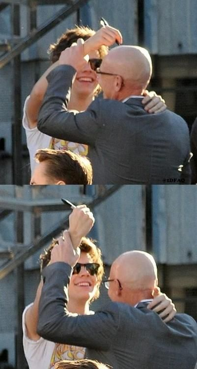 i hope you have enjoyed this picture of harry trying to draw on pitbull's head>>>> why have I never seen this before