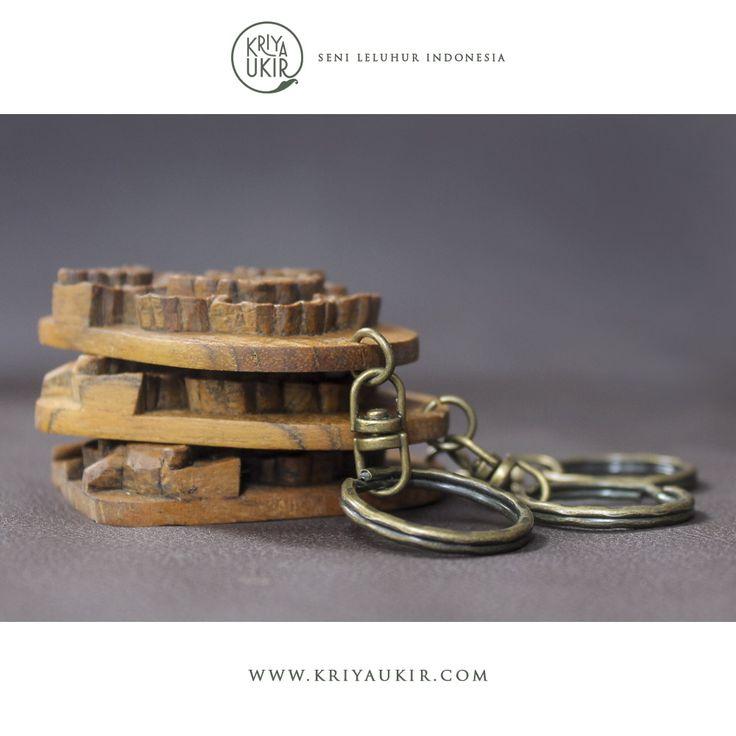Kerajinan Gantungan Kunci Kayu Jati Ukir Motif Daun Lotus Teratai