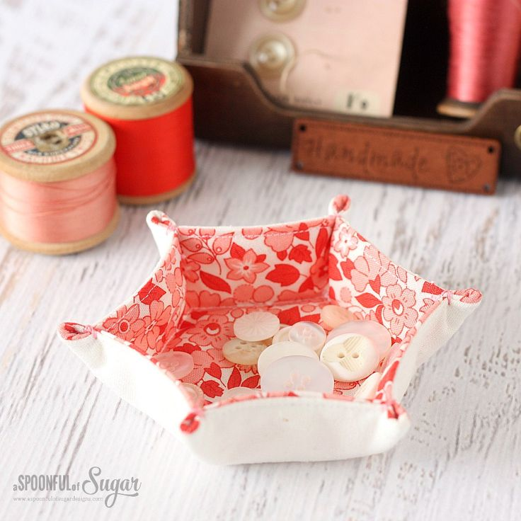 In this tutorial, A Spoonful of Sugar shares an easy tutorial for making a petite hexagon tray to hold your little treasures.