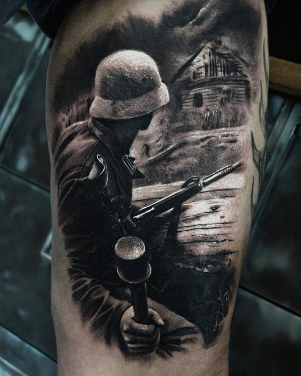 Black and white tattoo with war motif gives the image a dose of seriousness and darkness that necessarily carries with it a war.