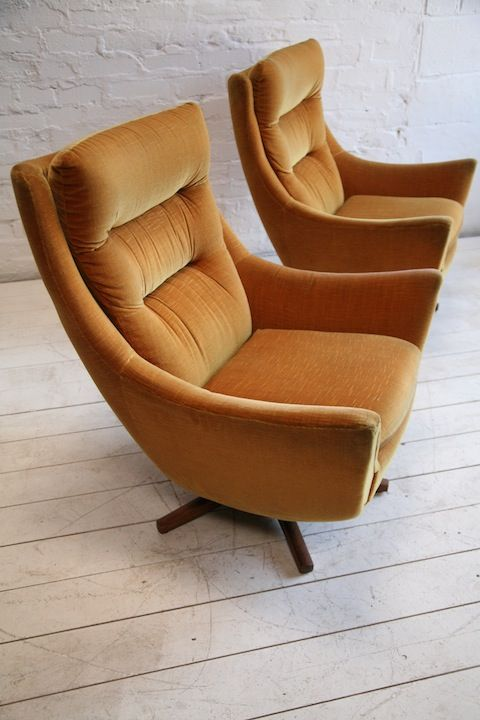 1960s Parker Knoll Swivel Chair These are super cool!!!  Probably would clash with tan couch