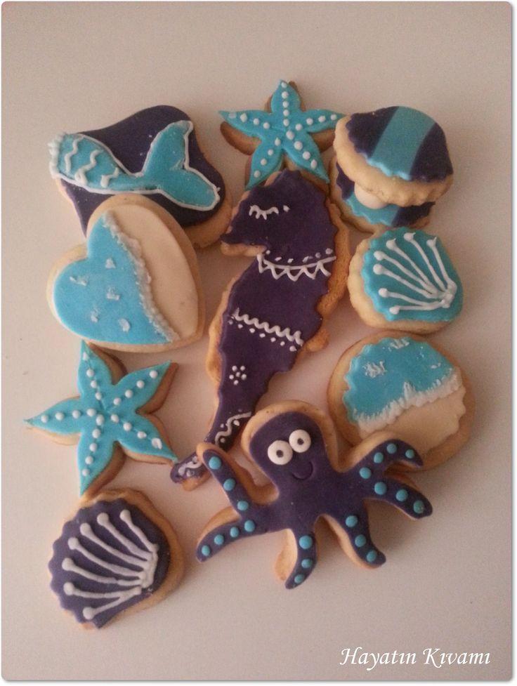 Deniz kızı konseptine uygun kurabiyekler: http://hayatinkivami.blogspot.com.tr/2016/03/deniz-kizi-temali-dogum-gunu-partisi.html