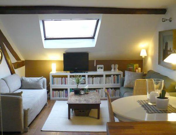 Dachwohnung Einrichten Sofa Bücherregal Esstisch Tisch