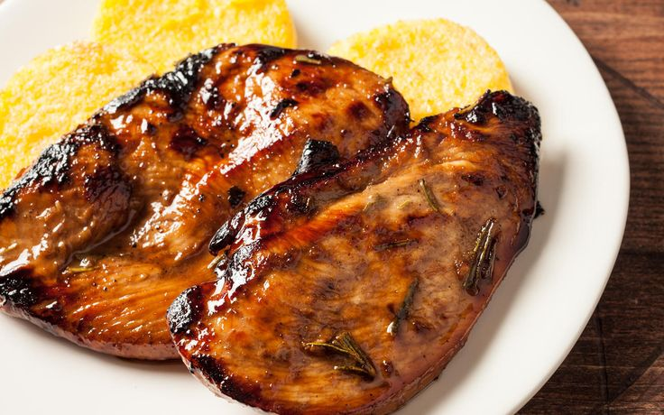 An easy grilled chicken breast recipe, with a balsamic rosemary marinade recipe.