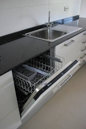 Diseno de cocinas dise o de cocinas en las rozas madrid - Cocinas en blanco y negro ...