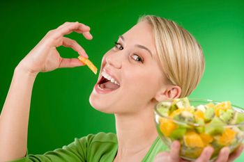 Πως θα χάσετε τα περιττά κιλά σας, τρώγοντας έξυπνα!