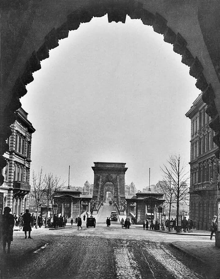 1928. A Lánchíd az alagútból.