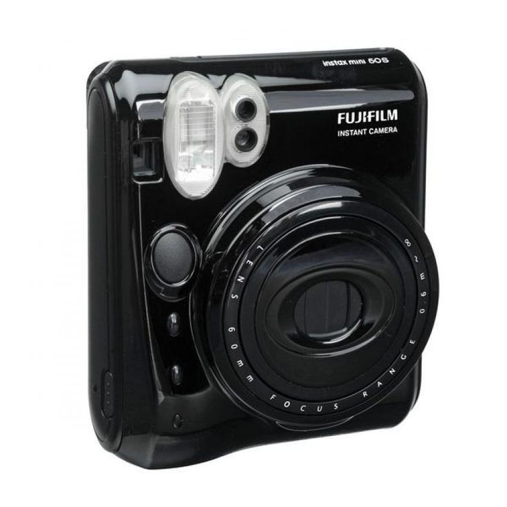 Catch the moment wit this instax 50s. The high-performance Flash mode automatically calculates surrounding brightness and adjusts shutter speed, close-up lens allows you to shoot from a distance up to 30 cm away, self- timer mode allows you to create two photos with the single press of the shutter. http://zocko.it/LDUHf