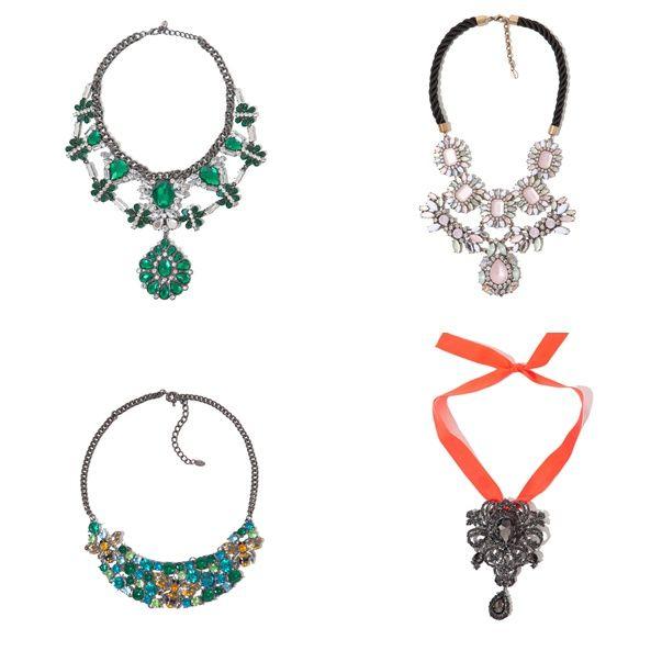 en accesorios también podemos ver el estilo barroco, sobre todo collares. Es el caso de Zara, que para esta nueva temporada tiene preciosas piezas XXL que pueden alegrar y adornar cualquier look y hacerlo especial.