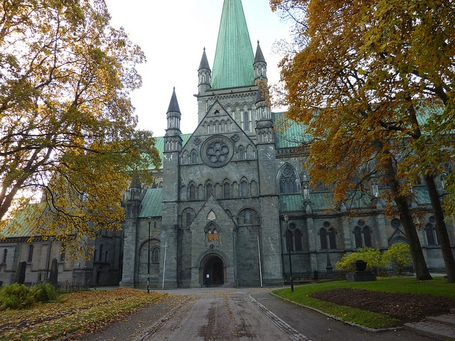 Trondheim, Nidaros cathedral by Truus, Bob & Jan too!, via Flickr