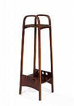 JOSEF HOFFMANN (1870-1956) & THONET (Éditeur) Haute sellette en bois courbé teinté acajou, structure formée de deux arches latérales...