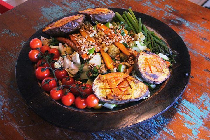 Catering for 4 vegetarians today. Zoe pumped out this Moroccan vegetable platter. So easy and went down a treat. Chickpeas, cherry tomatoes, baby carrots, chopped apple, sweet potato, asparagus, cauliflower, moroccan spice mix and topped with warm pine nuts. She served it with a dressing made from yoghurt and olive oil. It's a keeper.