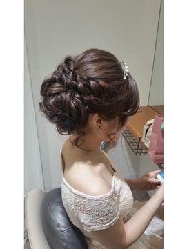 シニヨン - 24時間いつでもWEB予約OK!ヘアスタイル10万点以上掲載!お気に入りの髪型、人気のヘアスタイルを探すならKirei Style[キレイスタイル]で。