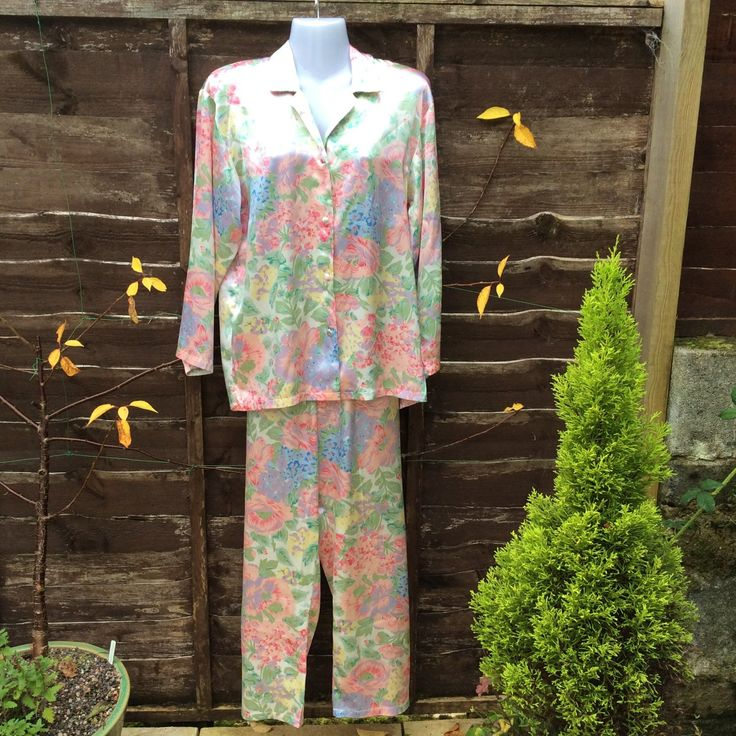 Vintage pyjamas UK S US 4 EU36, pastel satin floral by FlosLingerie on Etsy