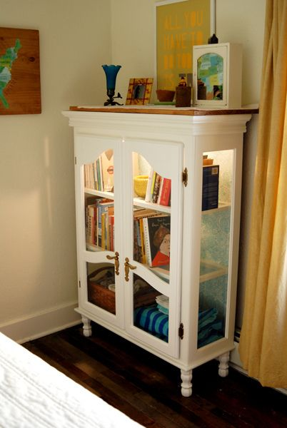Top of a hutch with legs attached = bookcase.