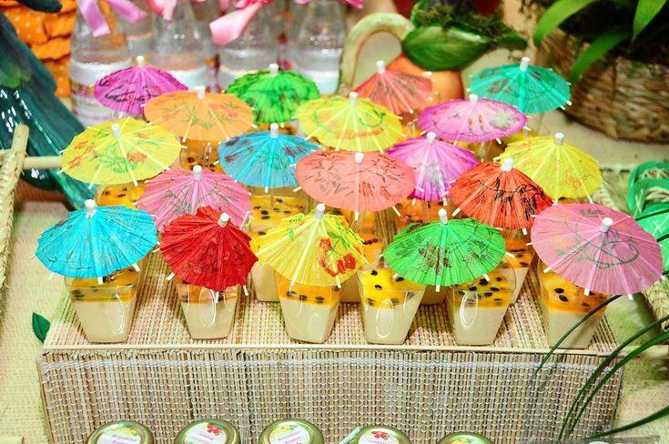 Resultado de imagem para decoração para festa havaiana simples