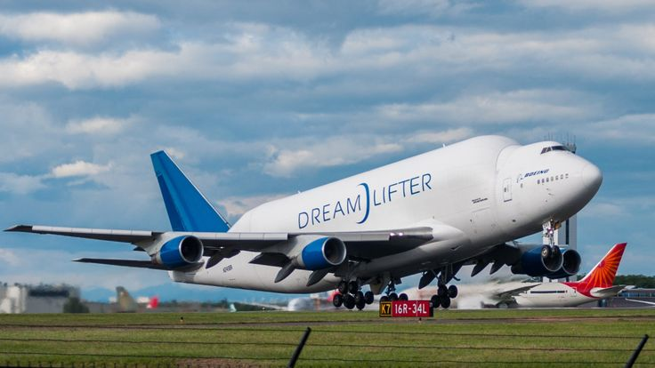 boeing 747 dreamlifter photography wallpaper free - boeing 747 dreamlifter category