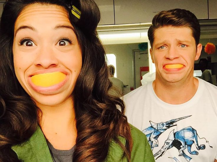 Gina Rodriguez and Brett Dier take a selfie while on set of Jane the Virgin on Sept. 22, 2015. - Cosmopolitan.com