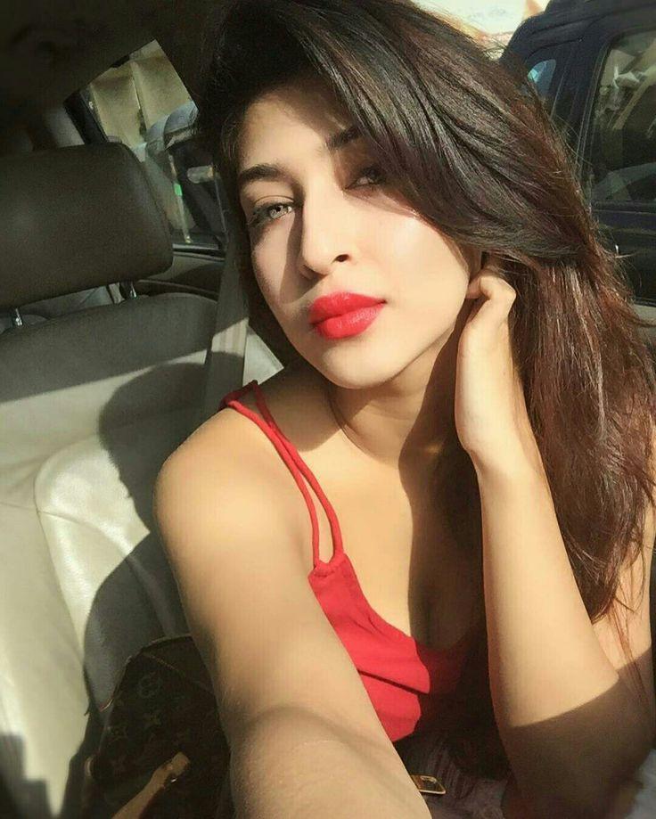 Sonarika looking hot