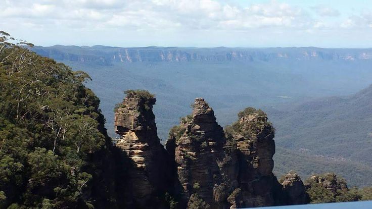 Three sisters at Blue mountains national park