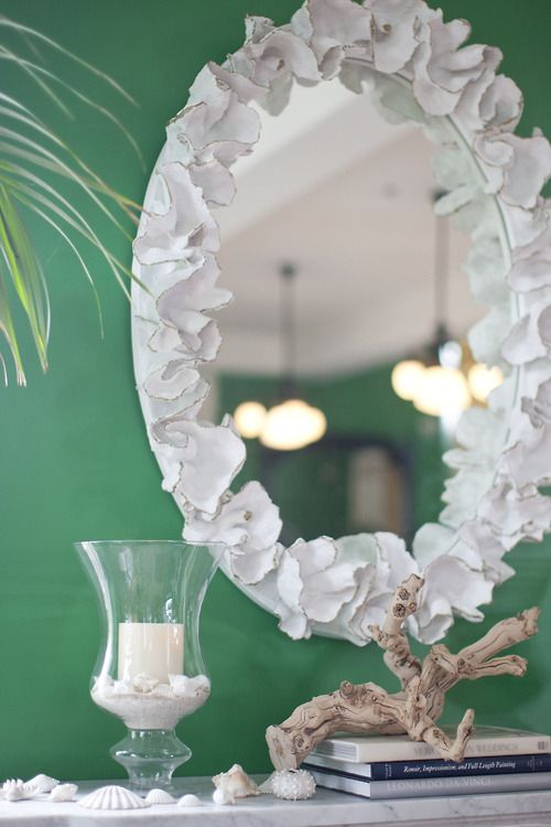 kelly green + white.: Wall Colors, White Flowers, White Mirror, Long Distance, Kelly Green, Beaches Houses, Old Mirror, Mirror Ideas, White Kids Rooms