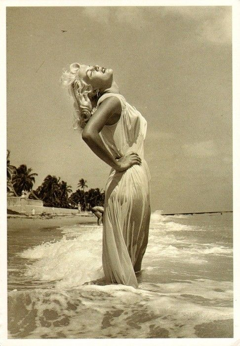 Marilyn Monroe Vintage Beach Pose.. Great Shot w/o The Person In The Back