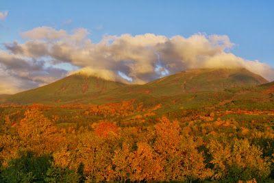 十勝岳連峰と紅葉