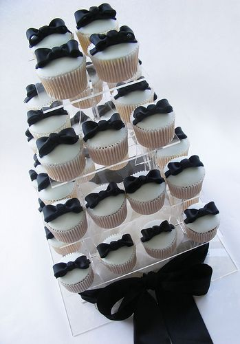 black bows by sarah288, via Flickr