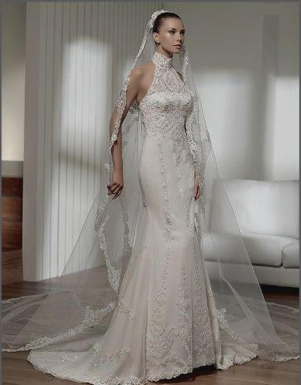 Spectacular Halter Mermaid Wedding Dress Bridal Gown with Lace overlay and matching veil