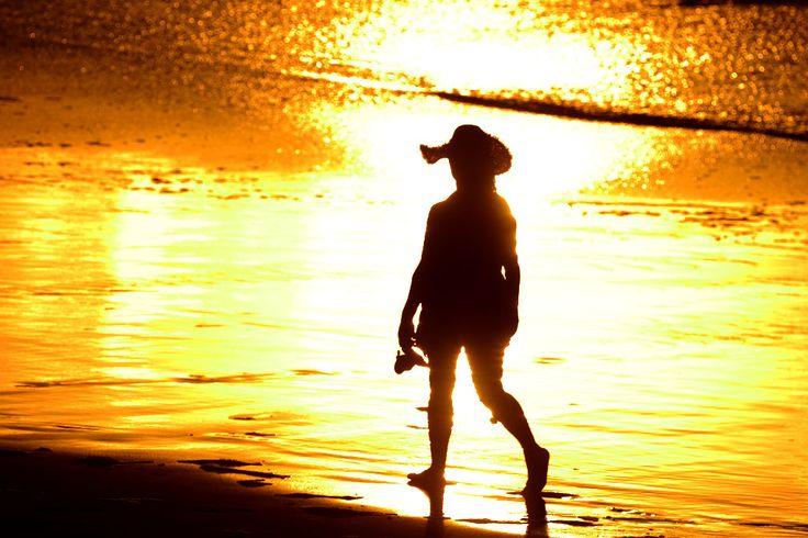 500px 上の Tony Hernández の写真 Golden woman with hat