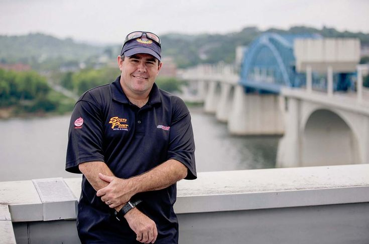Brendan Gaughan Swims With the Sharks for Bristol Motor Speedway at Tennessee Aquarium
