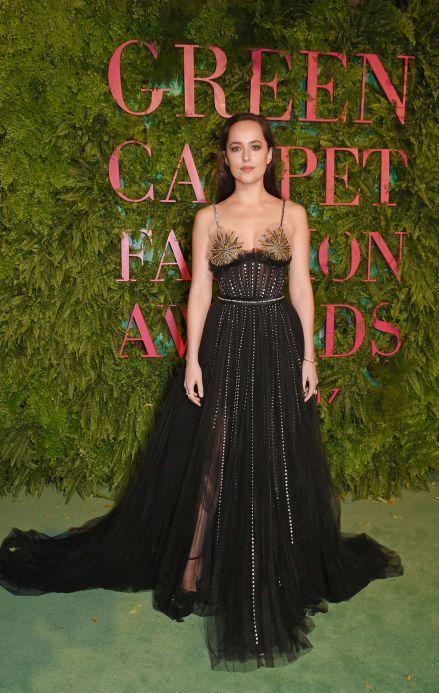 Dakota Johnson In Gucci – Green Carpet Fashion Awards