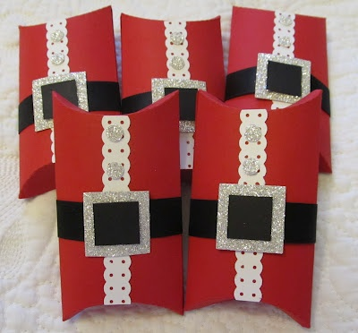 Santa Pillow Box. {note: for idea only. The webpage is non existant}