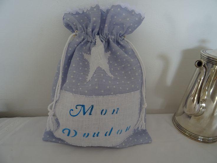 pochon range doudou , pyjama en tissu de lin à petites étoiles : Jeux, peluches, doudous par les-tiroirs-de-manine
