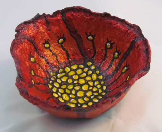 Paper Mache Bowls | plus lots of paper mache tutorials and info.