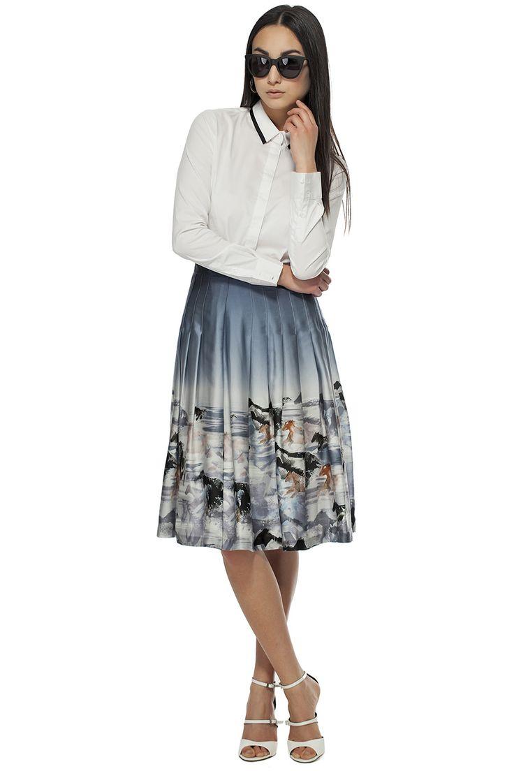 Jupe plissée à imprimé de chevaux / Pleated printed horses skirt  https://www.tristanstyle.com/en/women/looks/4/fv080g0033zgr50/ #tristanstyle #ss15