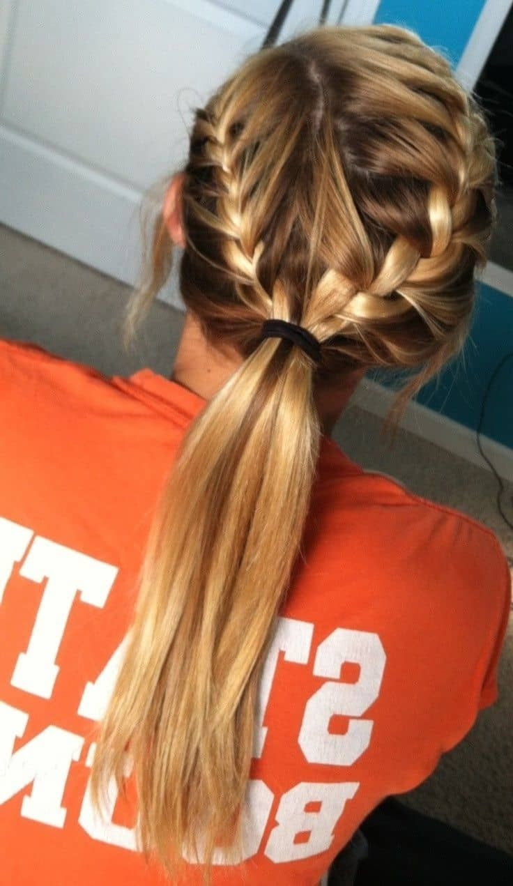 The 10 Hottest Hairstyles For Working Out 2020 Ultimate Guide In 2020 Hair Styles French Braid Ponytail Sporty Hairstyles
