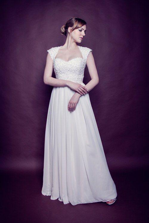 Svatební šaty - ručně pošívaný korzet