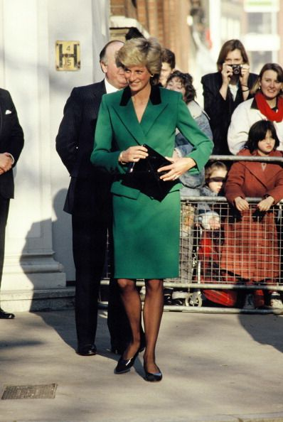 Princess Diana wears a green Victor Edelstein suit on January 19, 1989 in London, England.