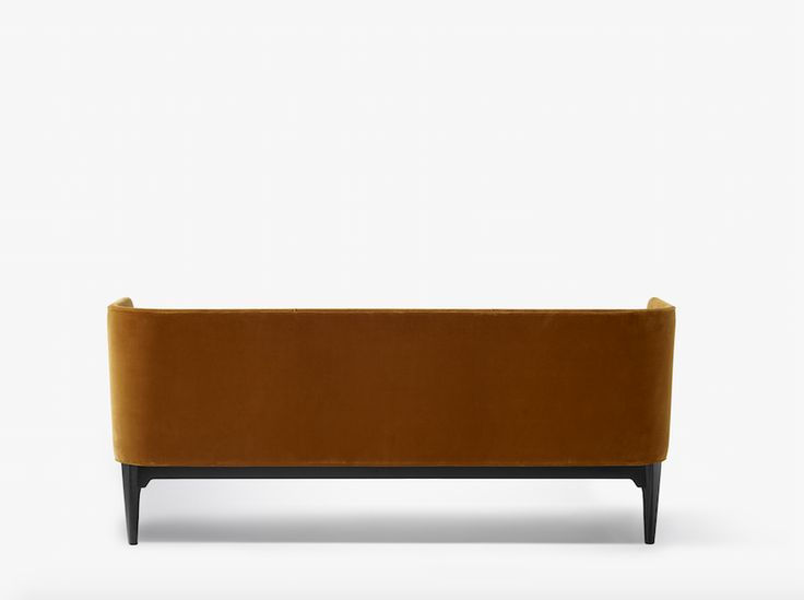 Mayor Sofa designed by Arne Jacobsen and Flemming Lassen, produced by &tradition.