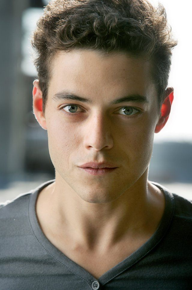 Rami Malek!!! <3 Just discovered this beautiful man after starting watching Mr Robot and i have to say... DAYUM!! <3