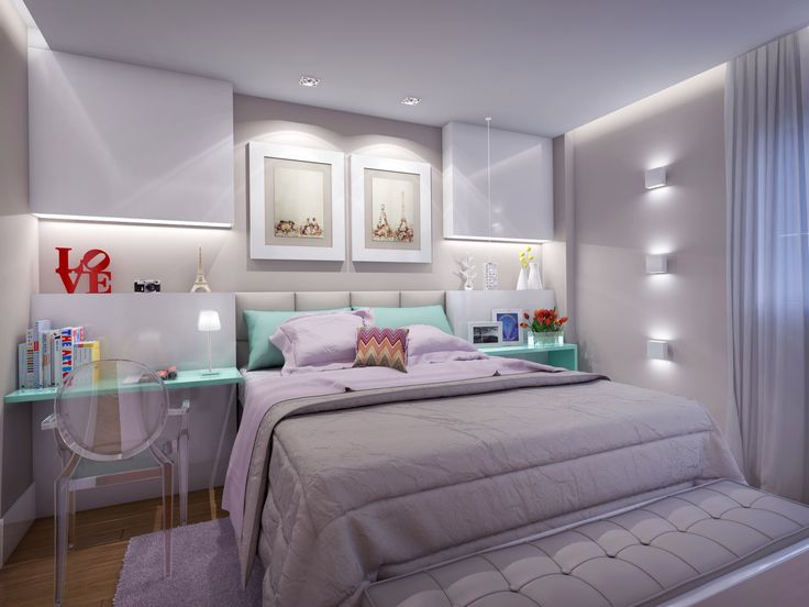 Quarto de casal com luzes indiretas, iluminação diferenciada na parede e uma bela decoração.