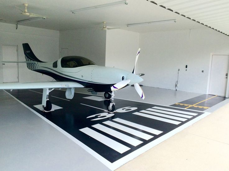 78 images about plane livin 39 on pinterest 3 car garage for Aircraft hangar home designs