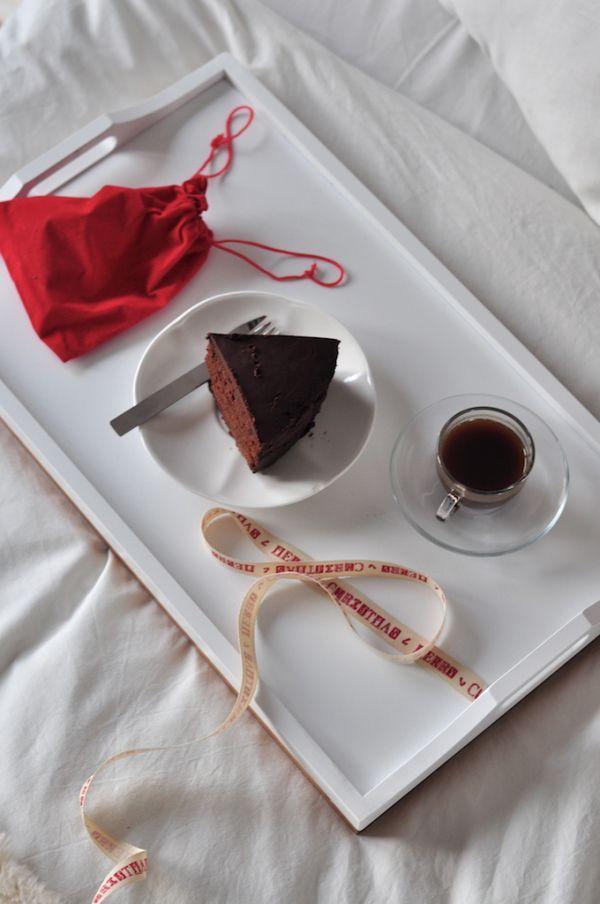 DOUBLE CHOCOLATE CAKE | Make Life Easier