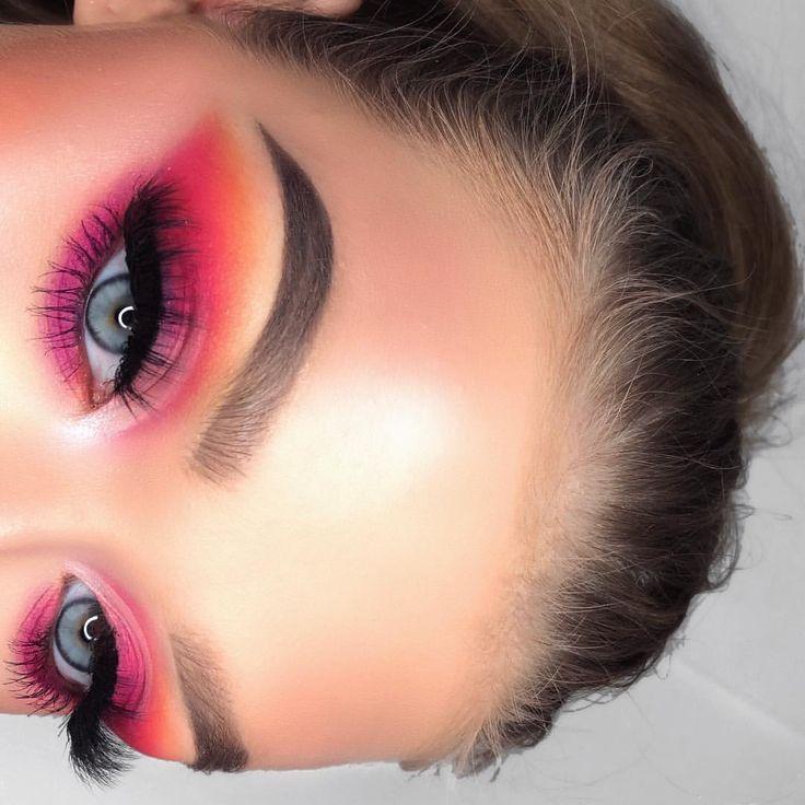 Eyes: Huda Beauty electric obsession palette #hudabeauty #makeup #ad