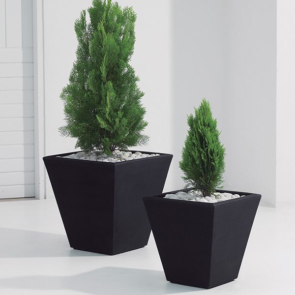 crescent garden planters. Anti-shock And Lightweight Crescent Garden Gramercy Planters Line. Weather Resistant, Variety Of Styles Wide Color Range.